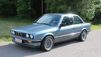 BMW 318 i E30 2-trg M10 Motor sehr wenig Rost